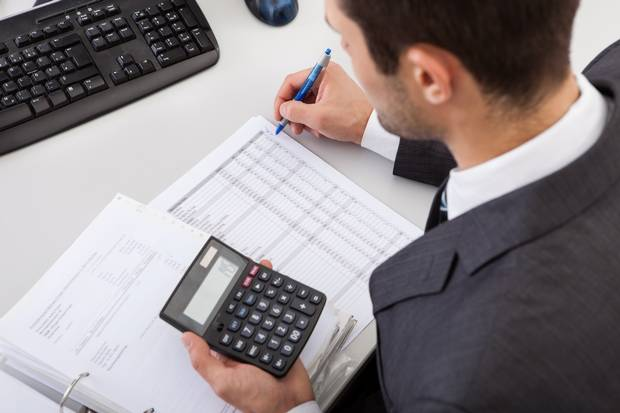 The Roles Of Accountants To The People And Companies