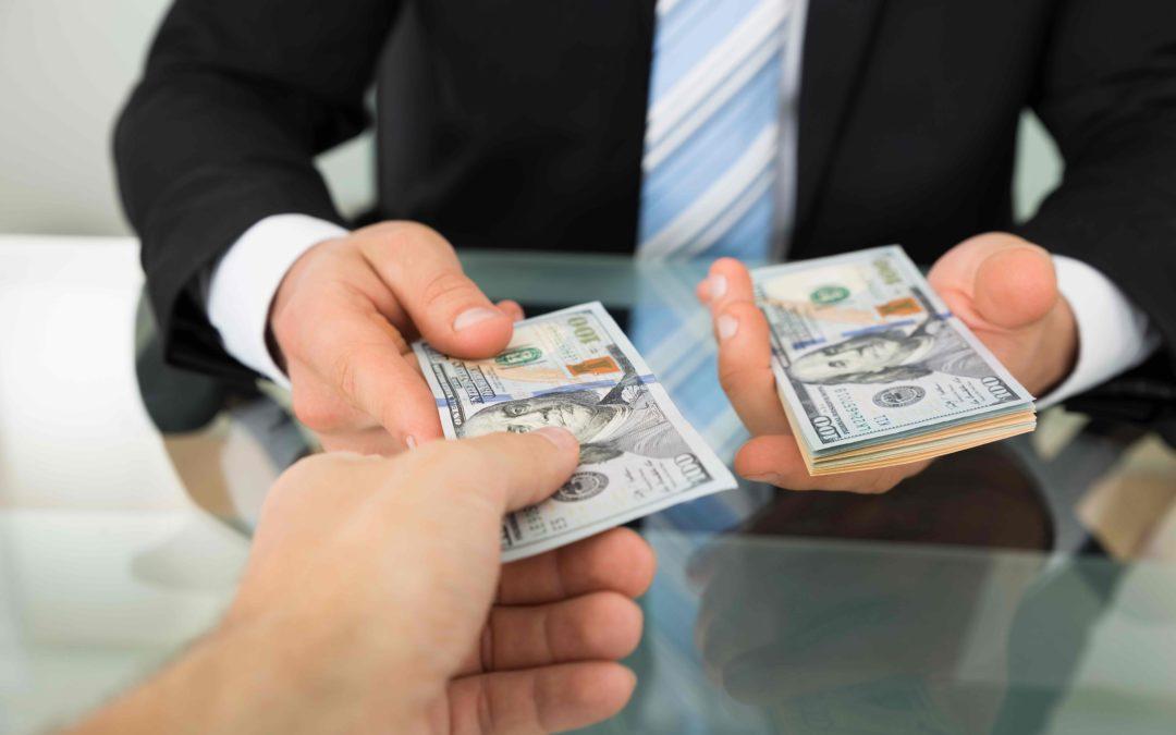 Alternative Money Lenders Vs Traditional Banks – What's the Best Option?